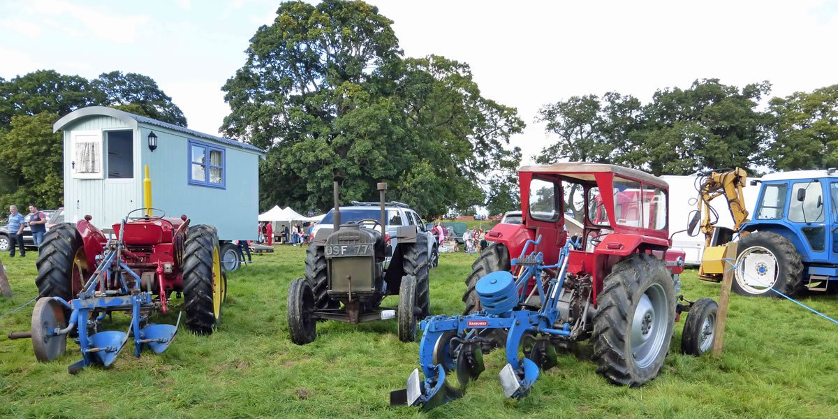 Scottish Vintage Tractor and Engine Club Ploughs and Roadman's Caravan 2015